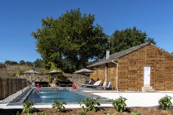 amenagement-autour-de-la-piscine-azur-piscine-spa-3